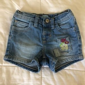 Baby Gap baby girl jean shorts 6-12 months old